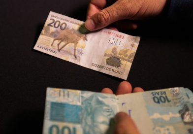 Brasileiros têm R$ 8 bi para receber de bancos; BC deve criar consulta